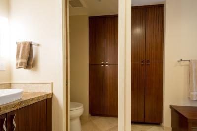 Happy-Valley-Bathroom-12